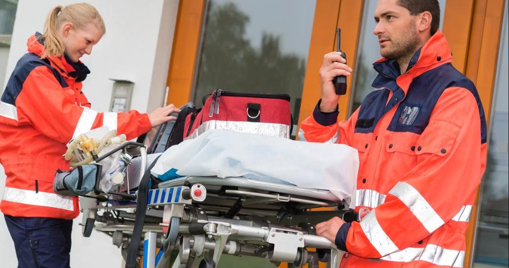 EMS-emergency-medical-services-walkie-talkie